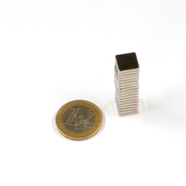 Aimant brut 10mm x 10mm x 2mm magnetique