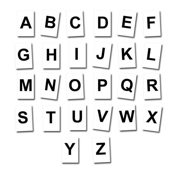 Lettres à l'unité Noires fond blanc 5 cm Aimants néodymes